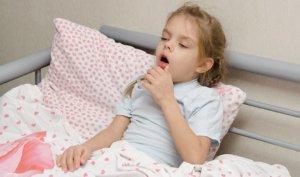 Целый ряд причин, может вызвать приступы ночного кашля у ребенка