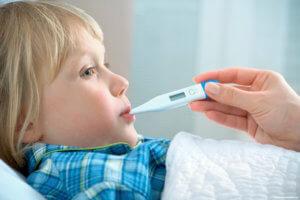 Повышенная температура может указывать на воспаление или наличие инфекции в ухе
