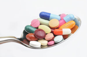 Антибиотики эффективны только в случае бактериальной ангины, фарингита или тонзиллита