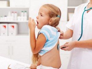 Запущенный ринофарингит может вызвать бронхит и даже пневмонию