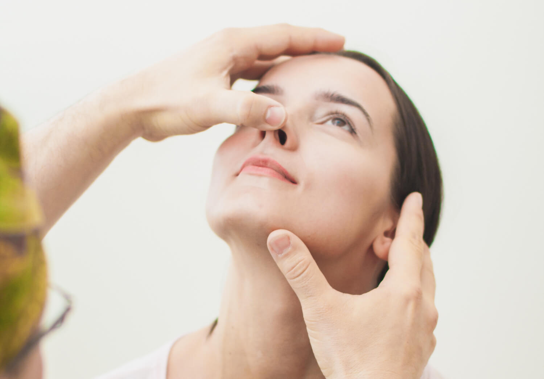 Почему возникает и чем опасна перфорация носовой перегородки?