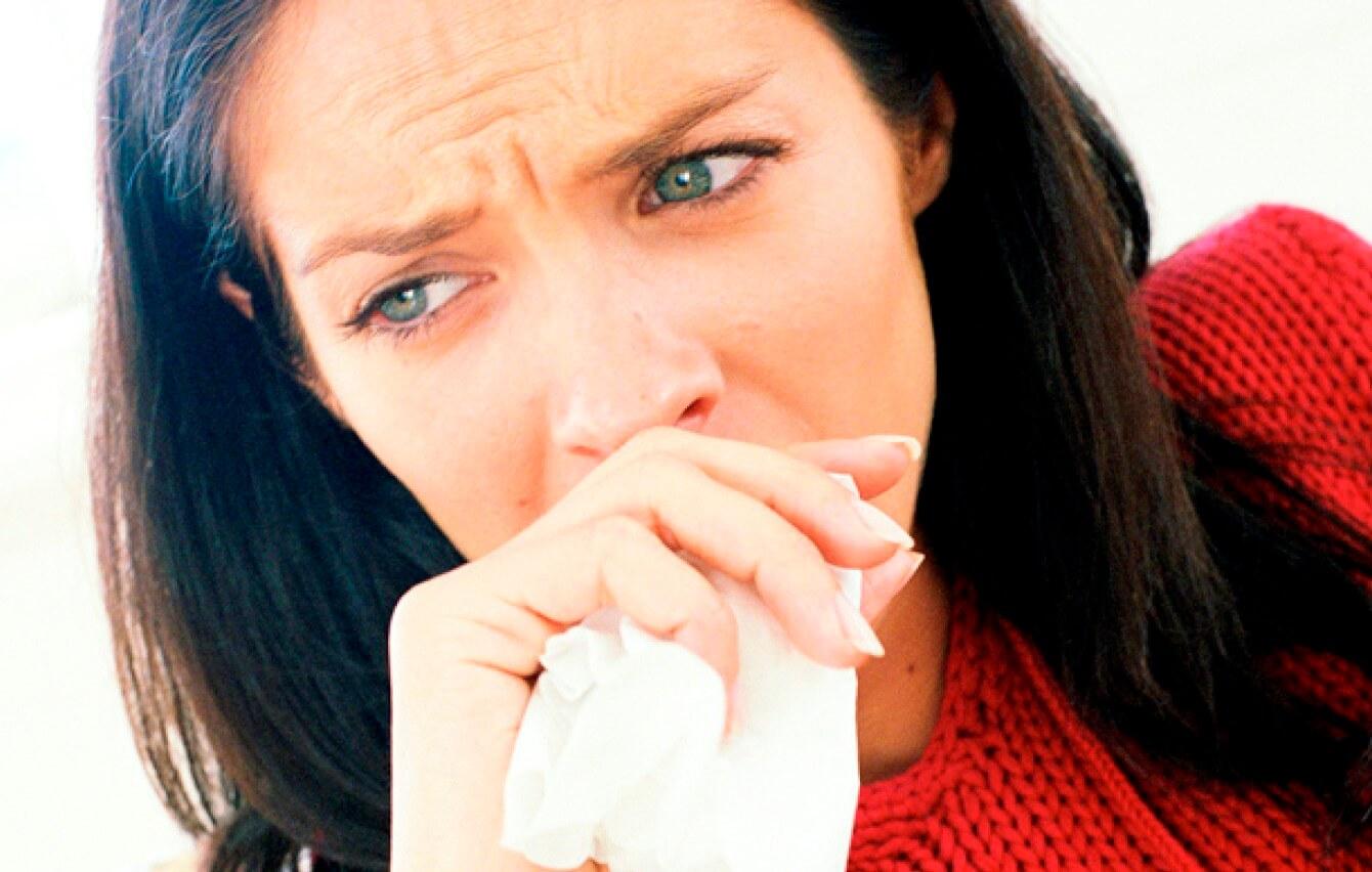 Цвет мокроты при кашле и его причины