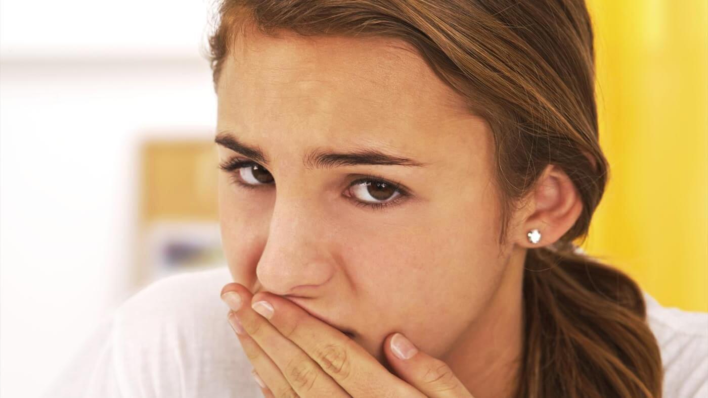 Что делать, если опухло небо во рту и когда нужен врач?