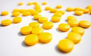 Раствор Фурацилина – эффективное средство для полоскания горла
