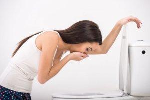 При совмещении Ципролета и алкоголя развиваются симптомы отравления