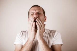 Лекарство применяют при заболевании ЛОР-органов и дыхательных путей, вызванных бактериальной инфекцией