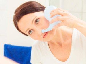 Промывание носа поможет быстрее устранить симптома насморка