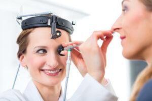 Правильное и эффективное лечение хронических носовых кровотечений может назначить только врач!