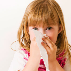 Жидкие сопли могут быть признаком простудного, инфекционного или аллергического заболевания
