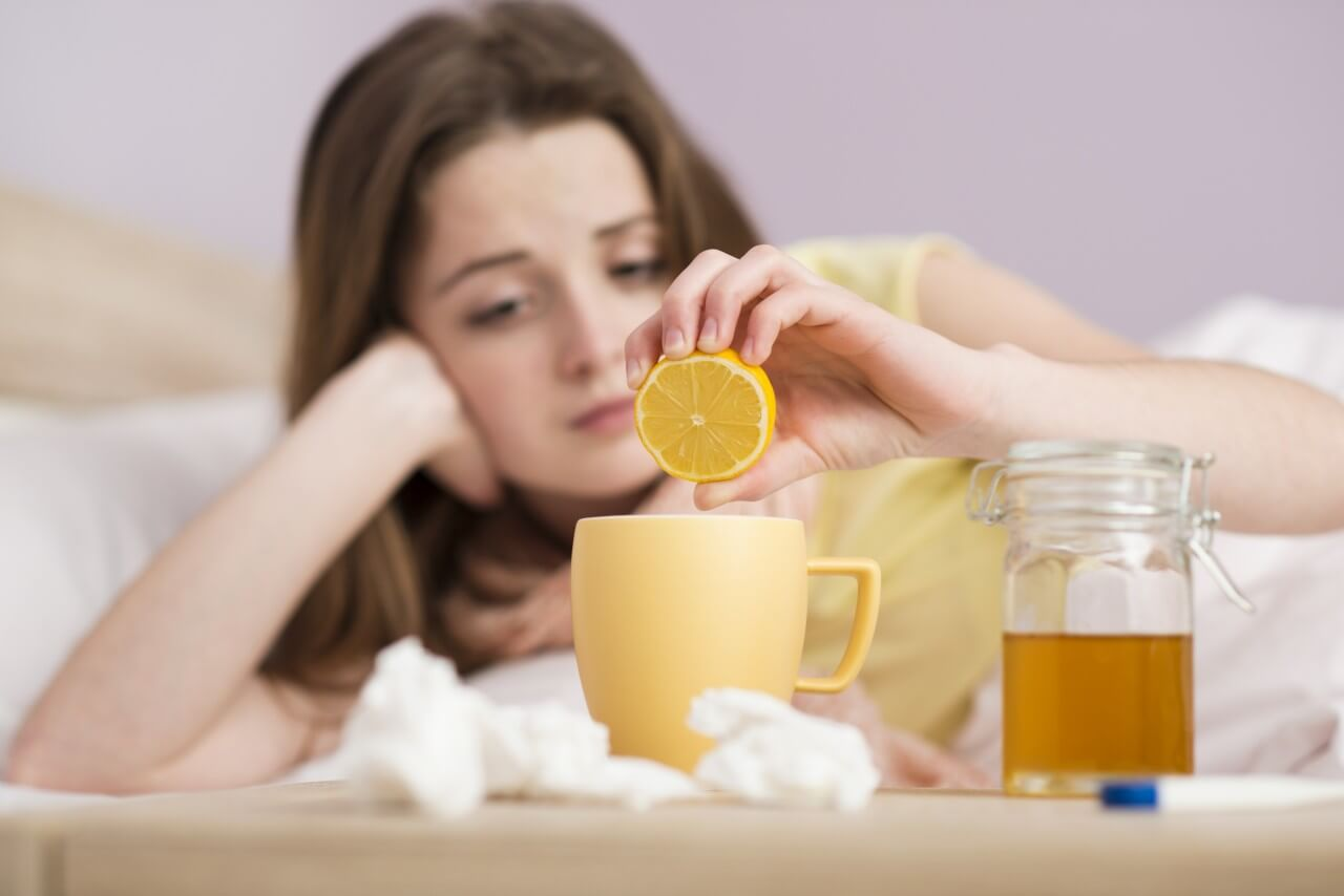 Лучшие народные средства при простуде от кашля, насморка и боли в горле