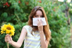 Спрей используют для симптоматического лечения аллергического ринита
