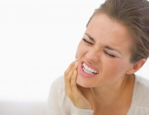 Болит челюсть возле уха при нажатии