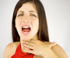 Симптомы ларингита зависят от вида и стадии заболевания