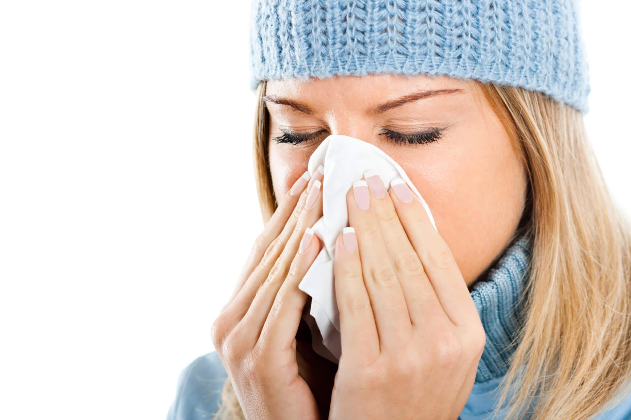 Эффективное лечение насморка - спреи и капли в нос, народные средства и ингаляции