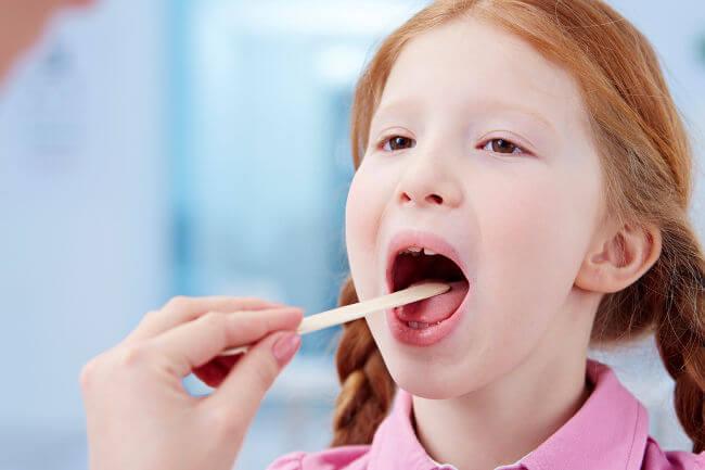 Охрипло горло у ребенка