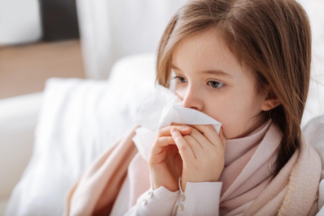Почему развивается кашель после пневмонии у ребенка, в чем опасность состояния