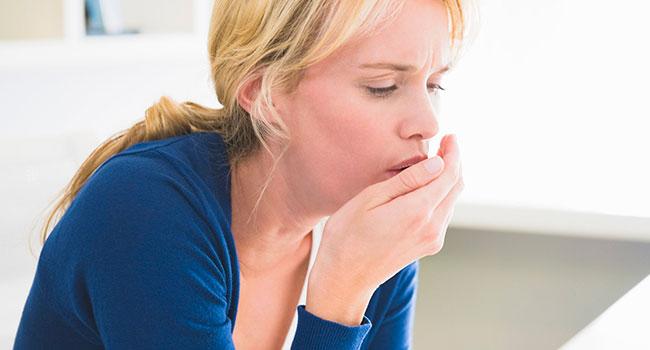 При каких заболеваниях возникает зеленая мокрота при кашле, как лечить патологию