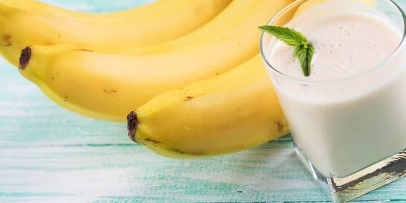 Банан с молоком