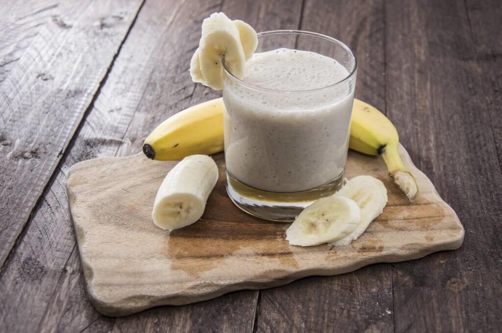 Молоко с бананом